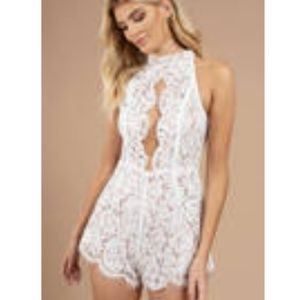 White lace romper size S - Tobi. Worn once